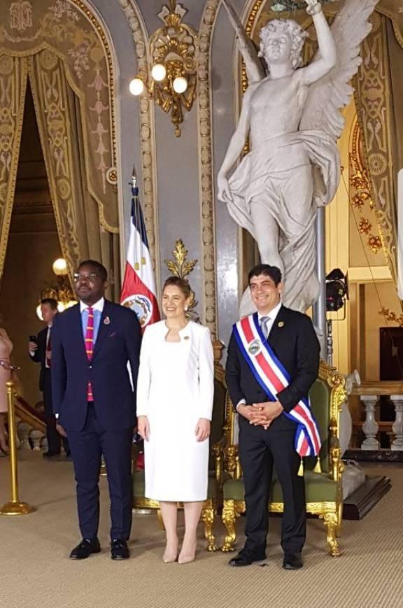 El Embajador en Estados Unidos en la ceremonia de investidura del Presidente de Costa Rica