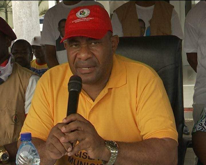 El presidente del Consejo Distrital del PDGE de Bata continúa con la gira por las células de base del distrito