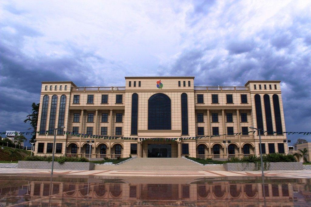 El Presidente inaugura la nueva sede del PDGE
