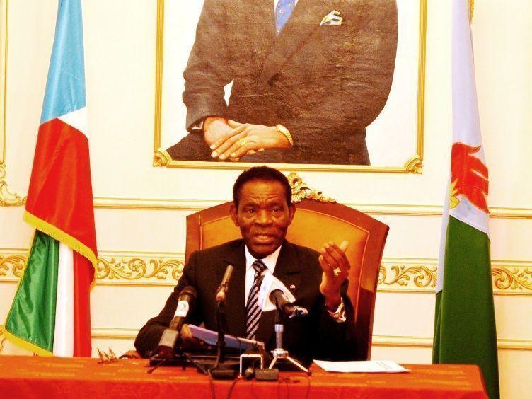 El Jefe del Estado convoca a todas las fuerzas políticas a una Mesa de Diálogo