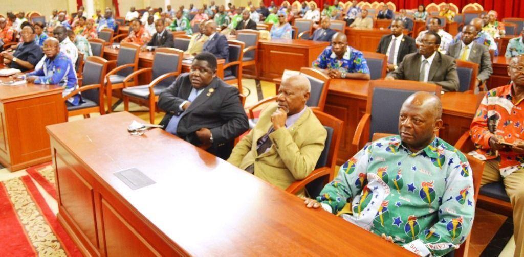 Reuniones con los representantes del Parlamento Bicameral y del Gobierno