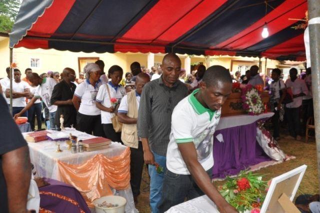 Honras fúnebres por Julián Mariano Mba