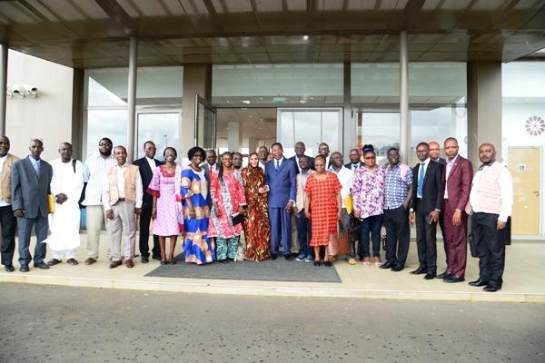 Los observadores internacionales refrendan el desarrollo de las elecciones