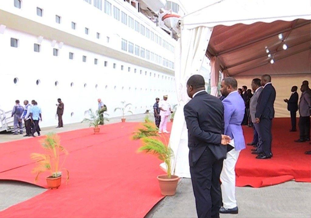 Llega a Malabo el crucero hotel para alojar a los asistentes a la cumbre