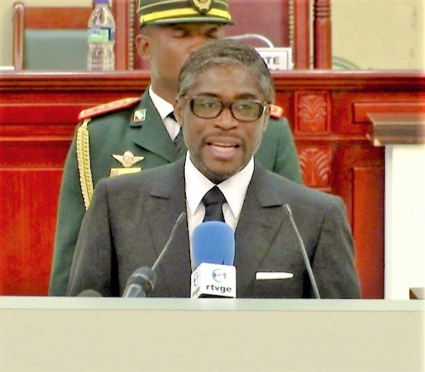 El Vicepresidente denuncia que el juicio de París es un montaje, en el Foro de la Juventud, en Yamena