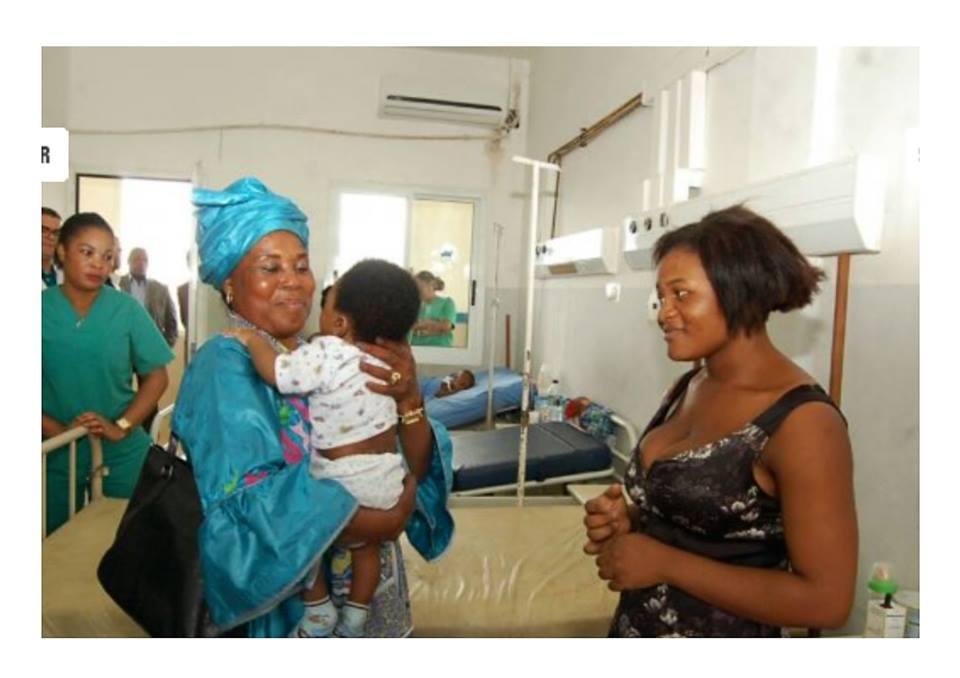 La Primera Dama visita el Hospital Regional de Malabo