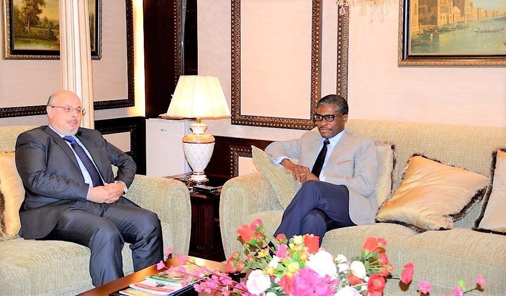 El Vicepresidente de la República recibe al Embajador de España