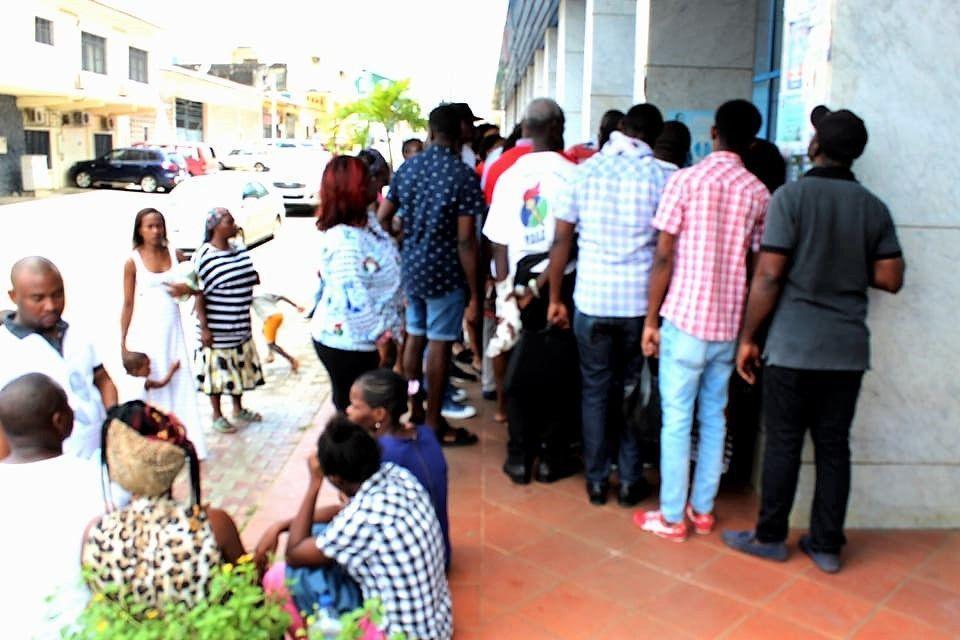 La segunda jornada de las elecciones internas se celebra en  todo el país