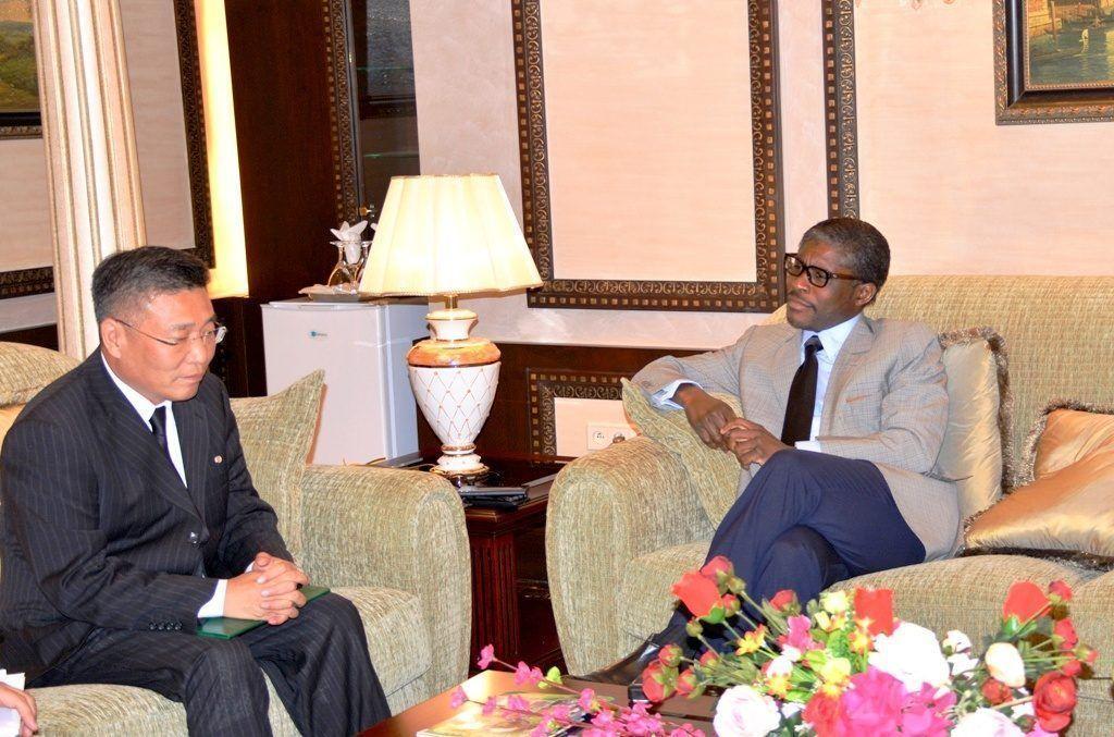 Recepción del Vicepresidente de la República con el Embajador de la República Popular Democrática de Corea
