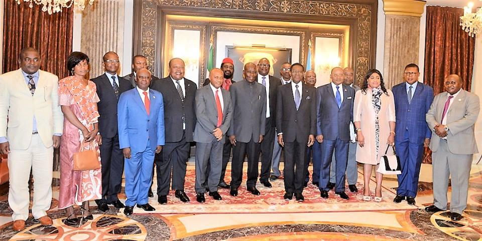 Se firma el pacto de la gran coalición democrática en el Palacio del Pueblo de Malabo