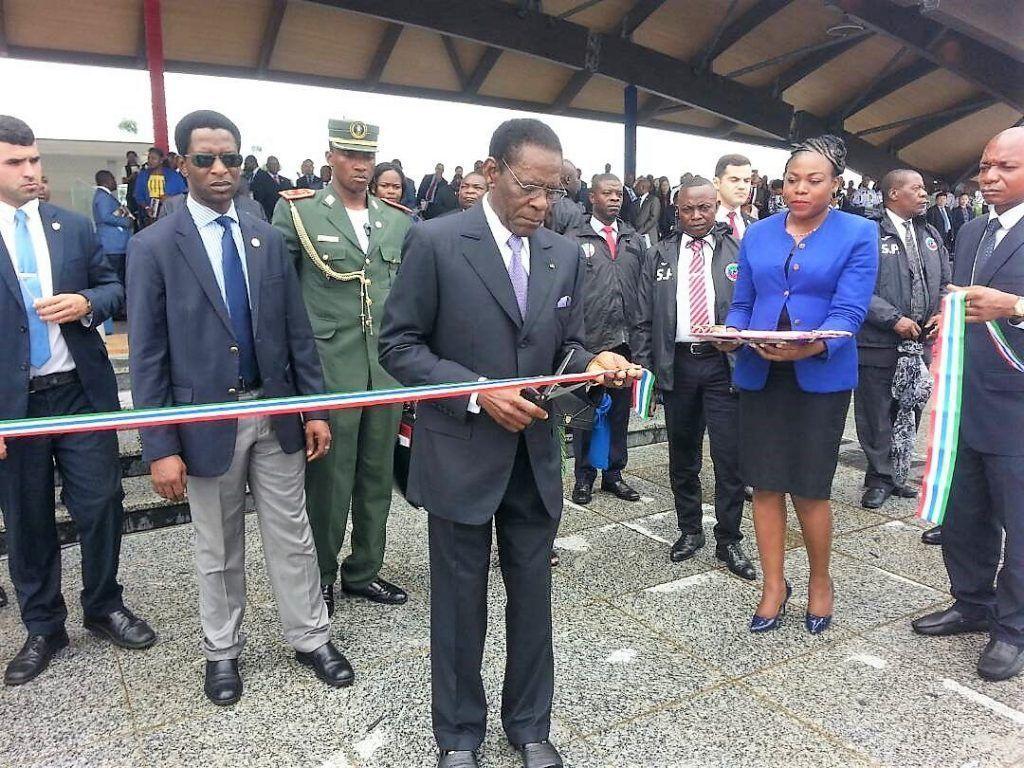 Inauguración de obras sociales en Malabo