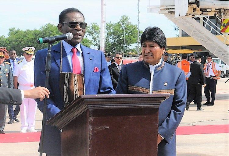 El Presidente Evo Morales acude a recibir personalmente a la Pareja Presidencial de Guinea Ecuatorial a su llegada a Bolivia