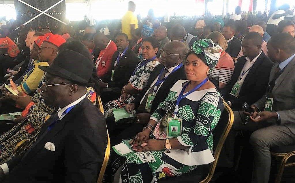 La Secretaria General Adjunta en el Congreso Especial del ZANU-PF