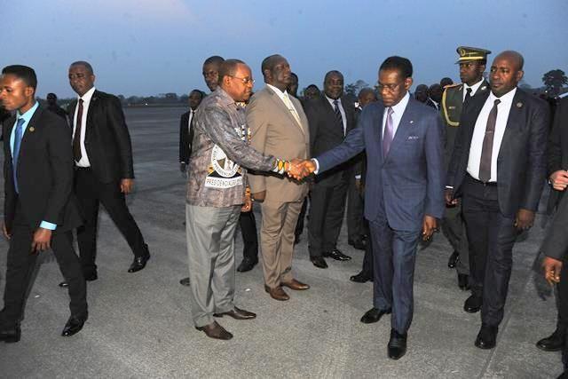 Regreso del Jefe de Estado de su viaje a Nigeria