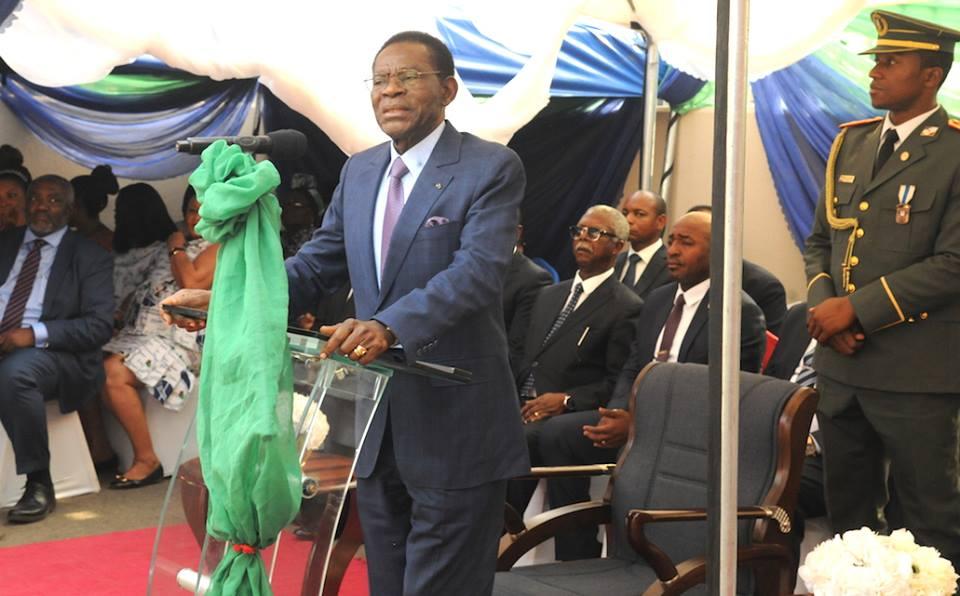 La nueva y flamante Embajada en Abuya ha sido inaugurada por el Presidente en su viaje-relámpago a Nigeria
