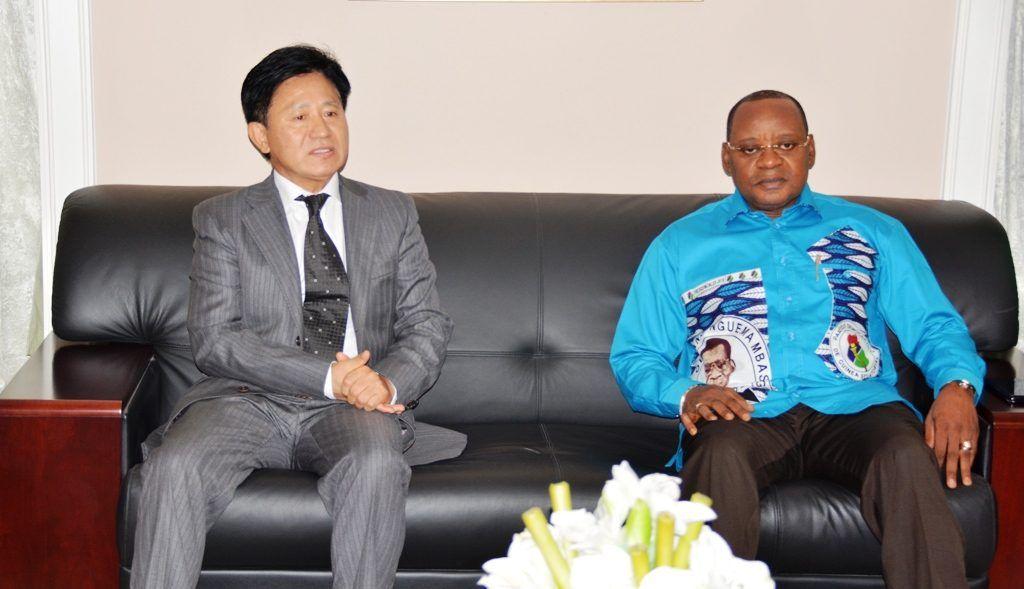 Audiencia de Osa Osa Ecoro con el Embajador de la República Popular China