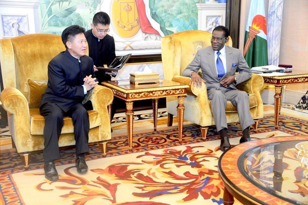 Invitación para que el Presidente de la República asista al Foro China-África