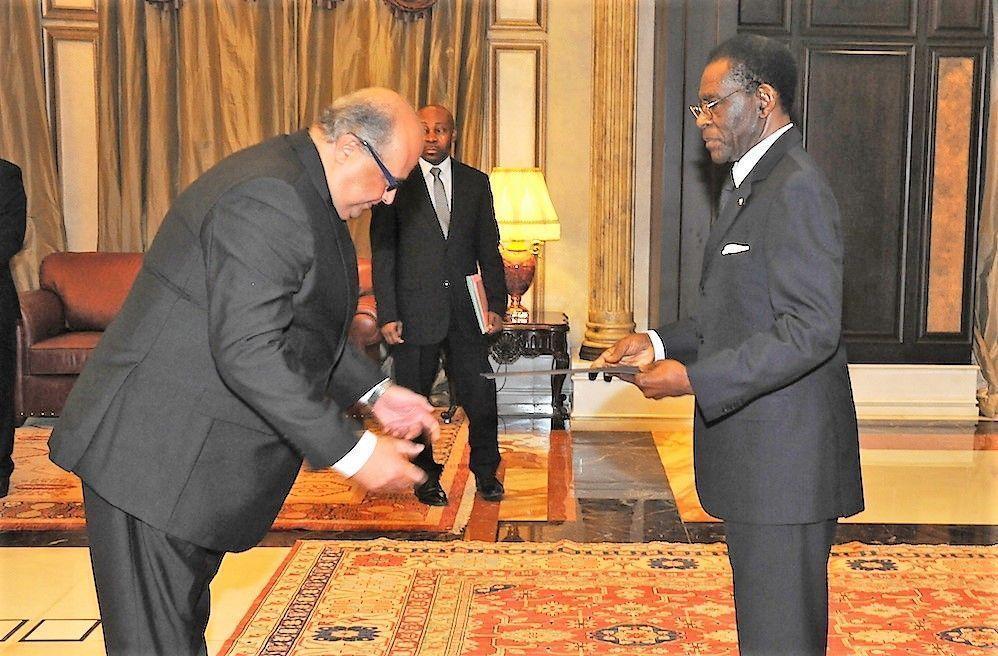 Embajadores presentan cartas credenciales ante el Jefe de Estado