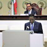 El Jefe del Estado recuerda en su discurso que la Mesa del Diálogo no sustituye al referéndum popular