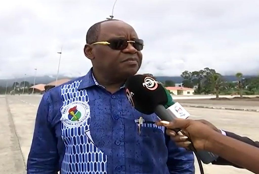 El Secretario General supervisa el alojamiento de las Comisiones que viajarán a Malabo para el 50º Aniversario