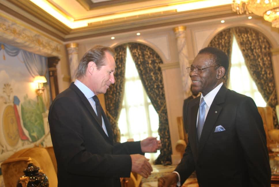 El Jefe de Estado recibe al Representante de S. E. Emmanuel Macron