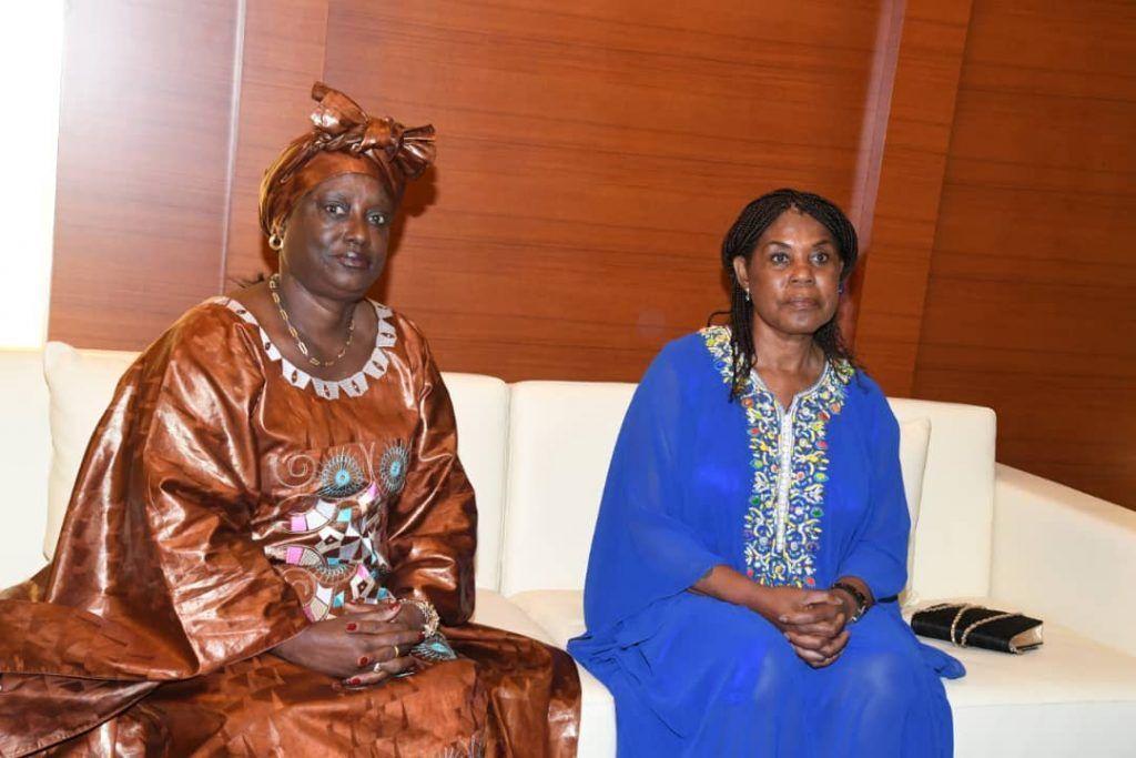 La Primera Dama conversa con su homóloga de Guinea Bissau en Mongomo