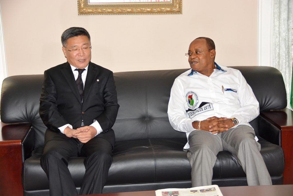 Audiencia del Secretario General del PDGE con el Embajador de Corea
