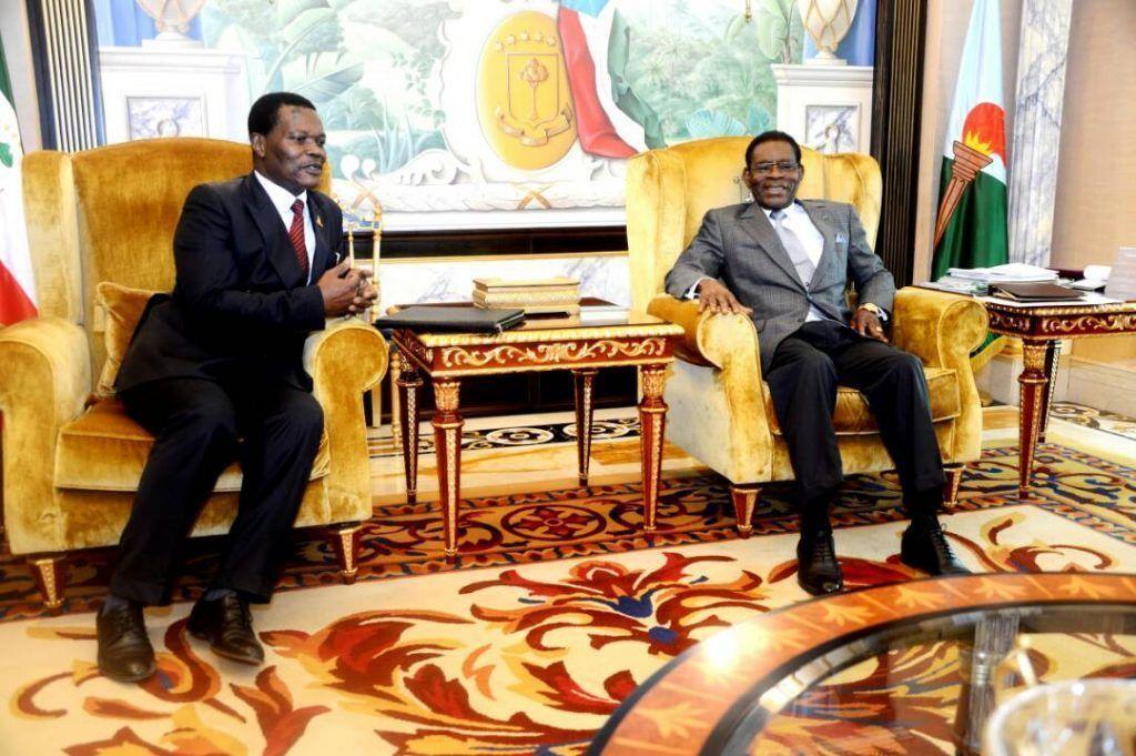 El Jefe de Estado se reúne con el Embajador de Camerún