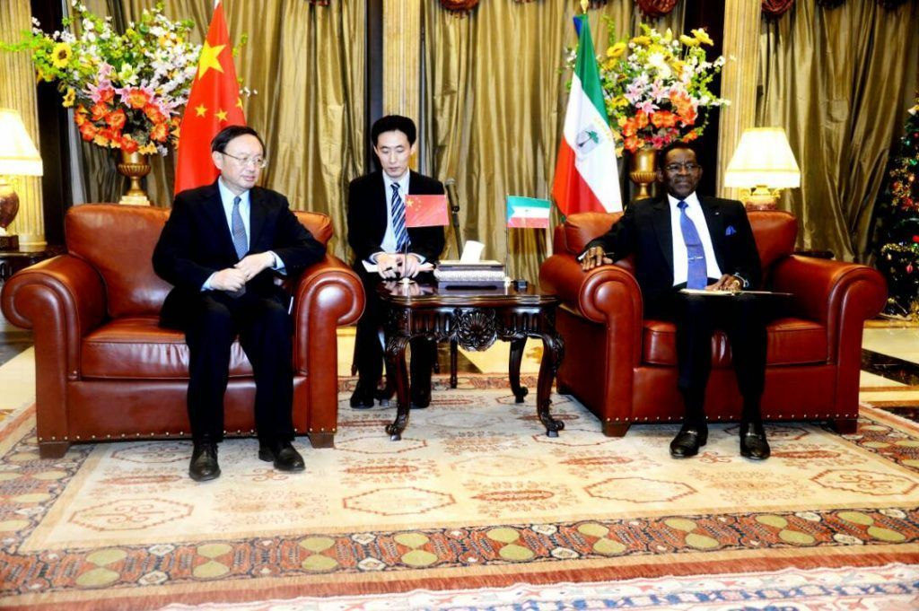 El Jefe del Estado recibe al Enviado Especial del Presidente chino