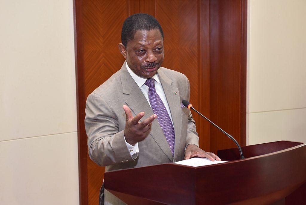 El Primer Ministro preside un encuentro informativo entre el Gobierno y el sector privado nacional
