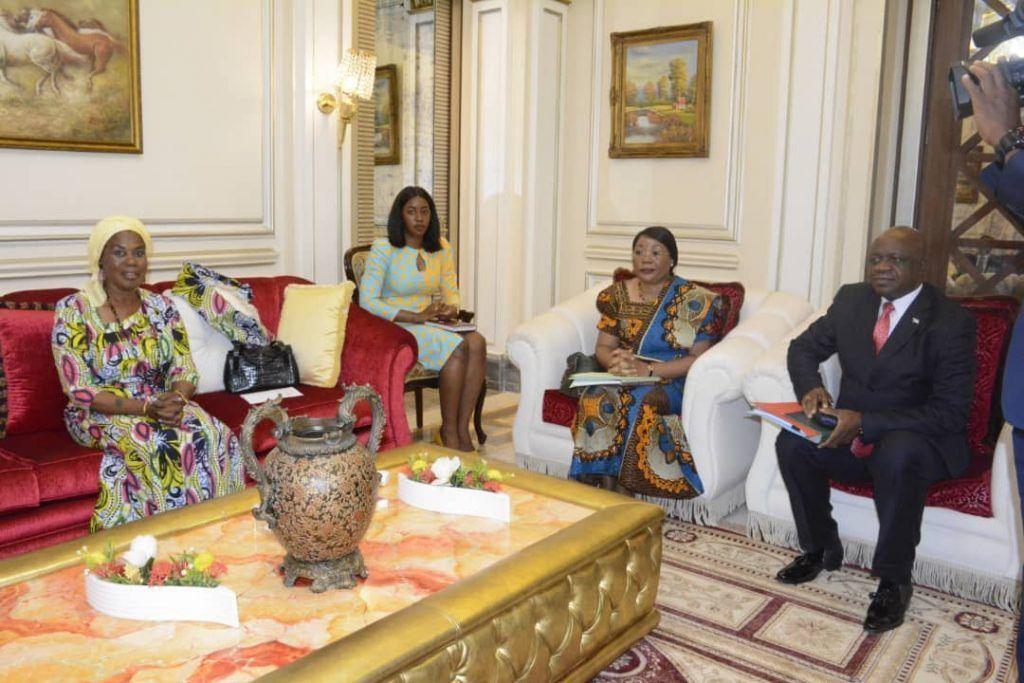 La Primera Dama recibe al Ministro de Sanidad