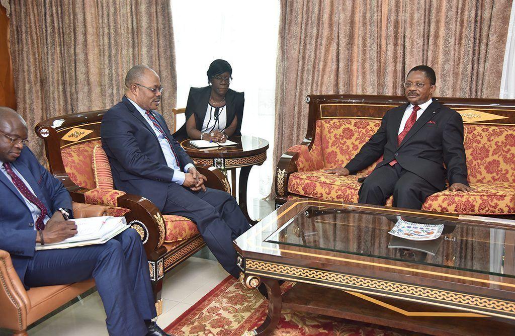 Audiencia de Obama Asue con el Secretario General del Banco Africano de Desarrollo