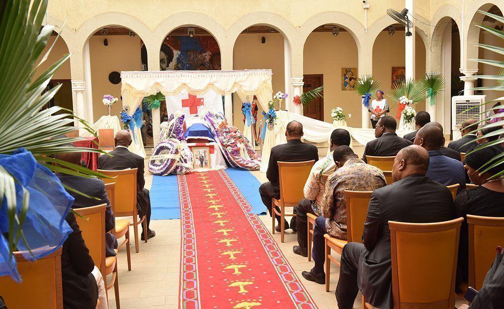 Actos fúnebres del presidente de la Cruz Roja