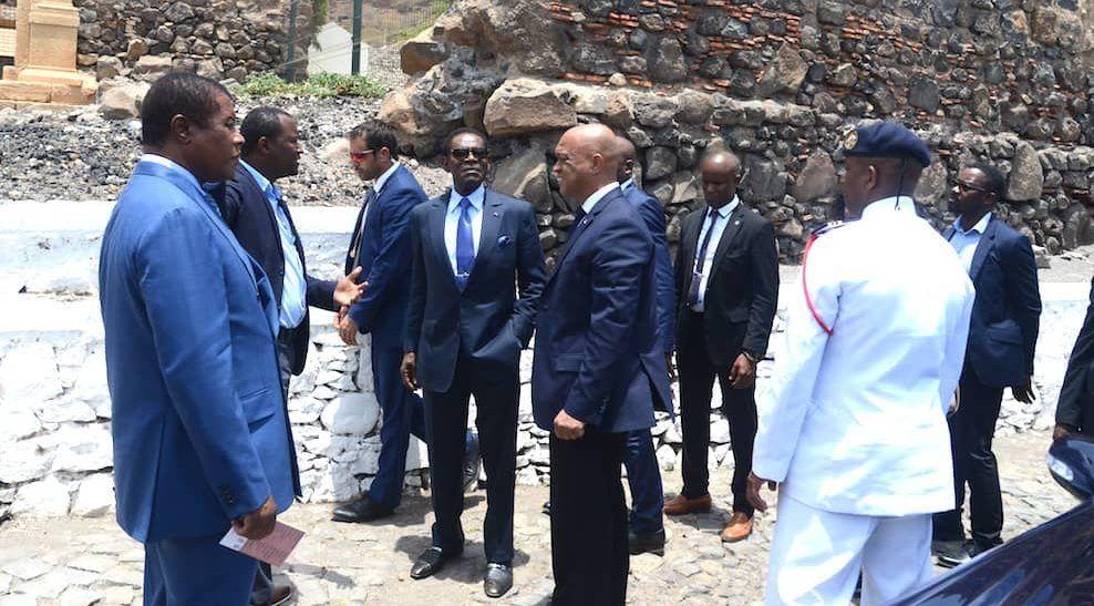Visitas del Presidente en Praia (2)