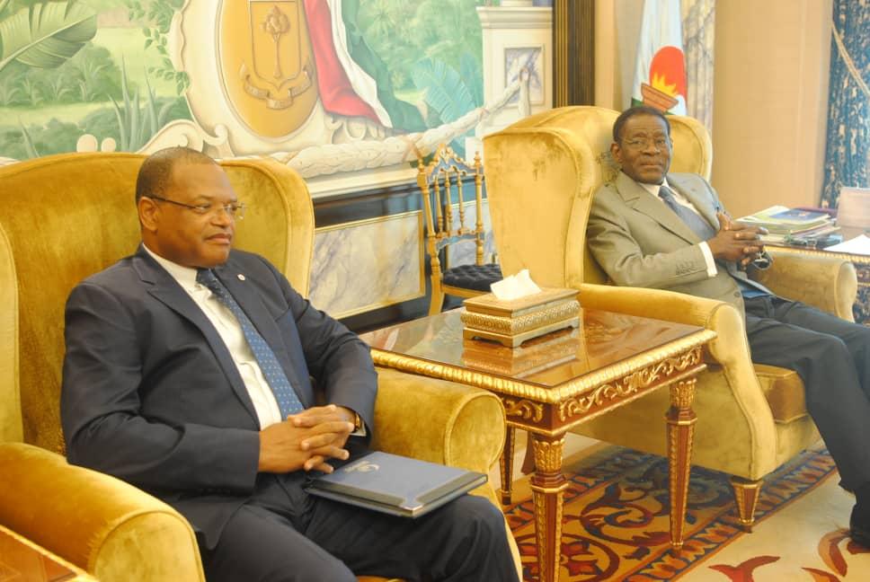 El Presidente recibe a delegaciones participantes en la III Conferencia Económica