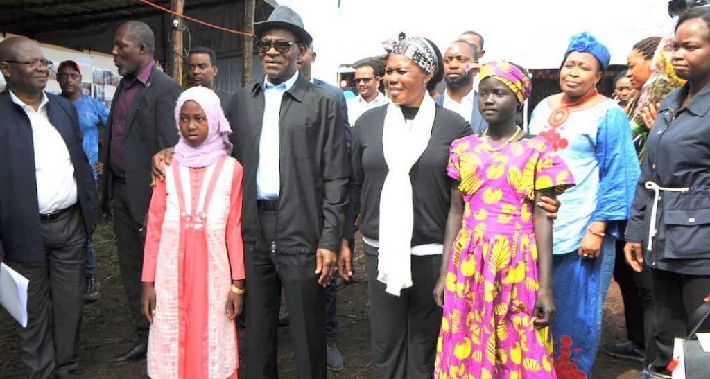 Presidente visita campo refugiados (18)