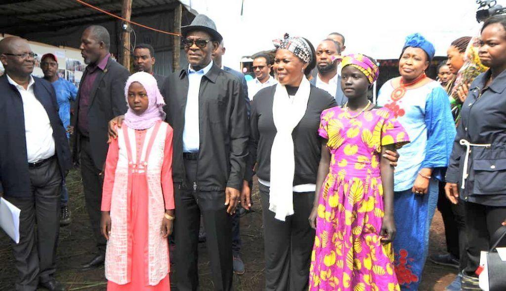 El Presidente visita el Campo de Refugiados de Tsore