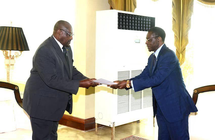 El Presidente concede audiencia al Ministro de Defensa de Santo Tomé y Príncipe