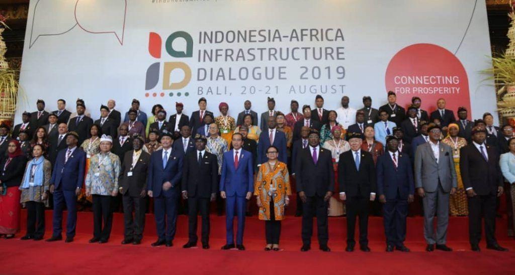 El Vicepresidente en el foro infraestructuras de indonesia (3)