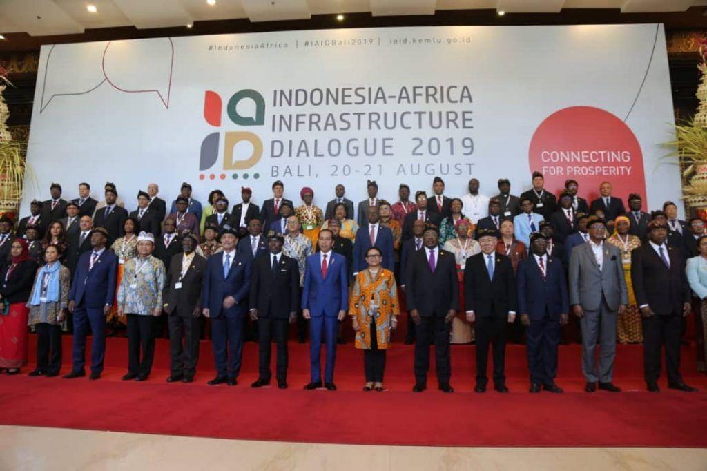 El Vicepresidente asiste al Foro de Diálogo de Infraestructuras Indonesia-África