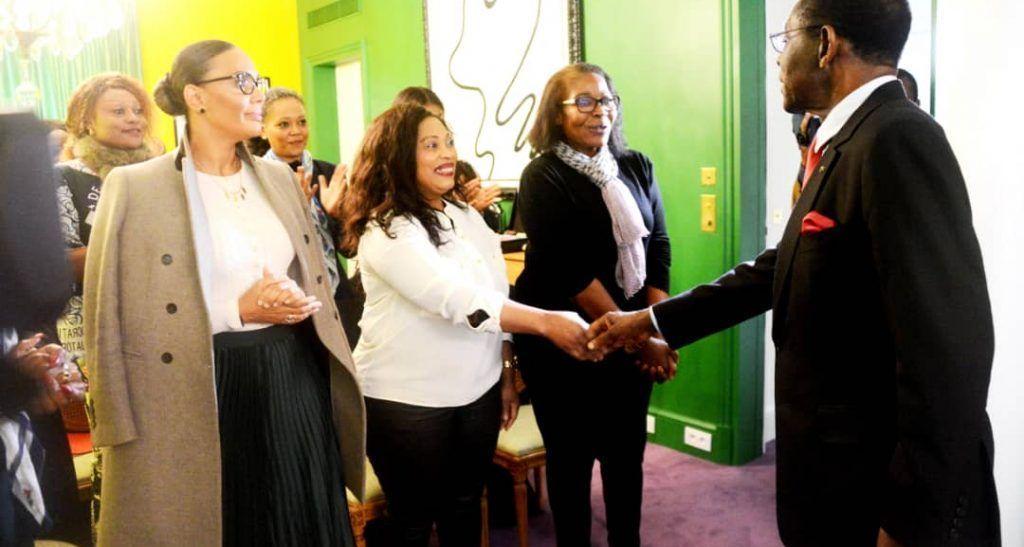 Reunion del presidente con el pdge de francia (4)