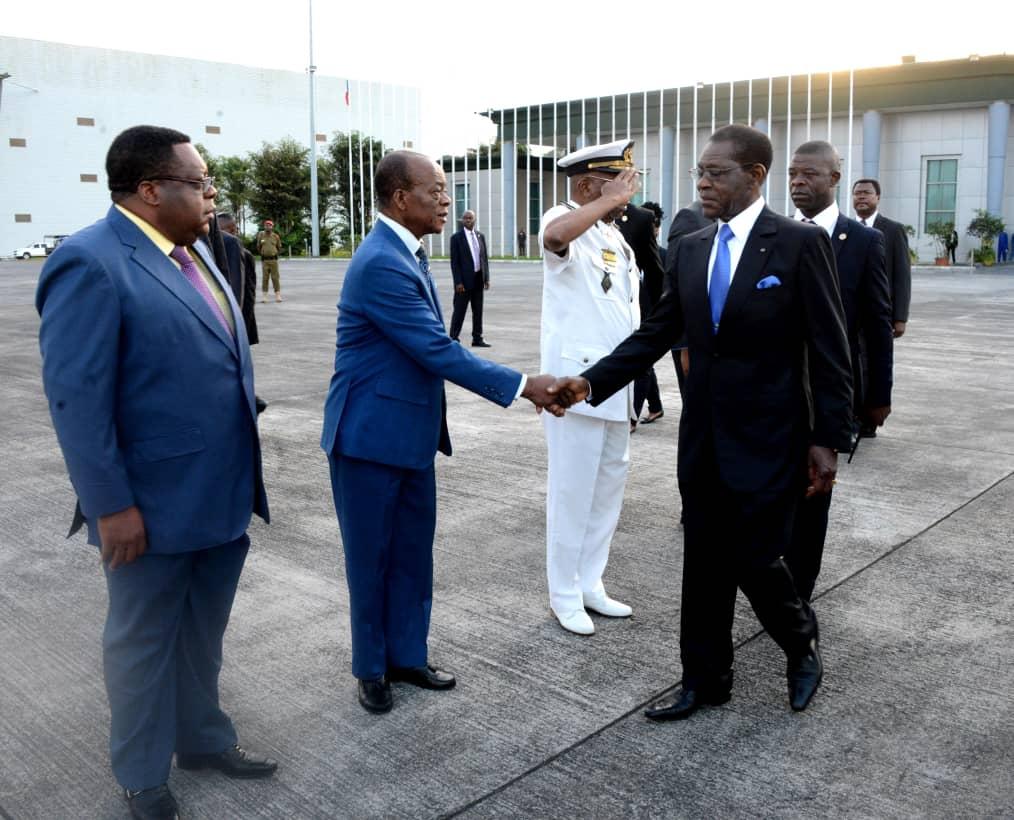 El Presidente de la República viaja a Camerún