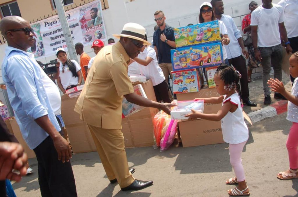 Diecisiete años regalando sonrisas a los niños de Guinea Ecuatorial