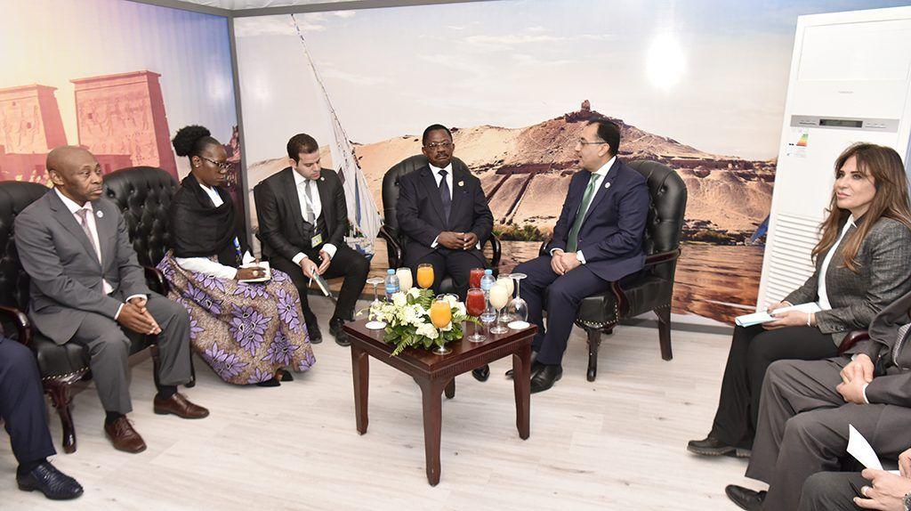 Obama Asue asiste al debate sobre la promoción de la mujer en el Foro de Asuán