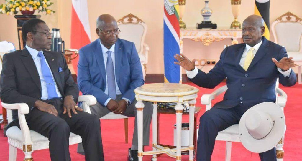Llegada presidencial a Uganda (5)