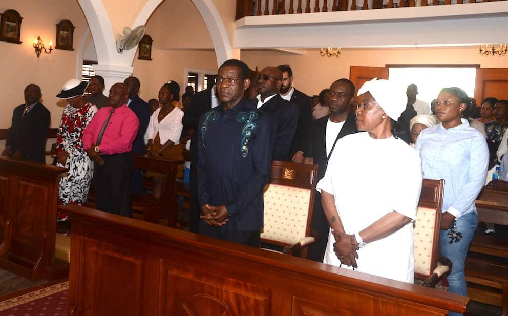 La Pareja Presidencial asiste a una Misa de Acción de Gracias en Riaba