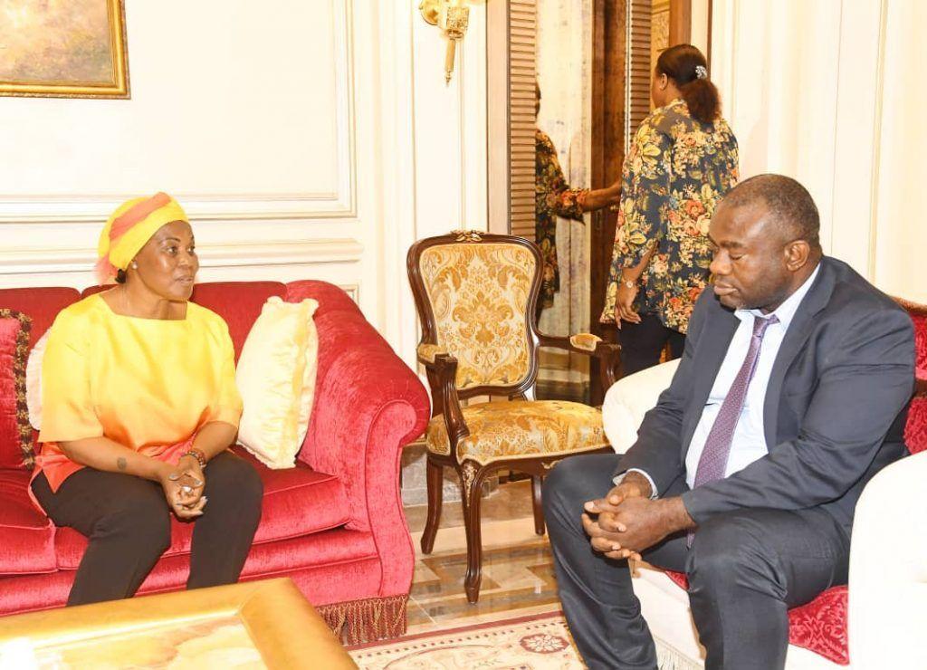 El presidente de la ONCIGE se entrevista con la Primera Dama