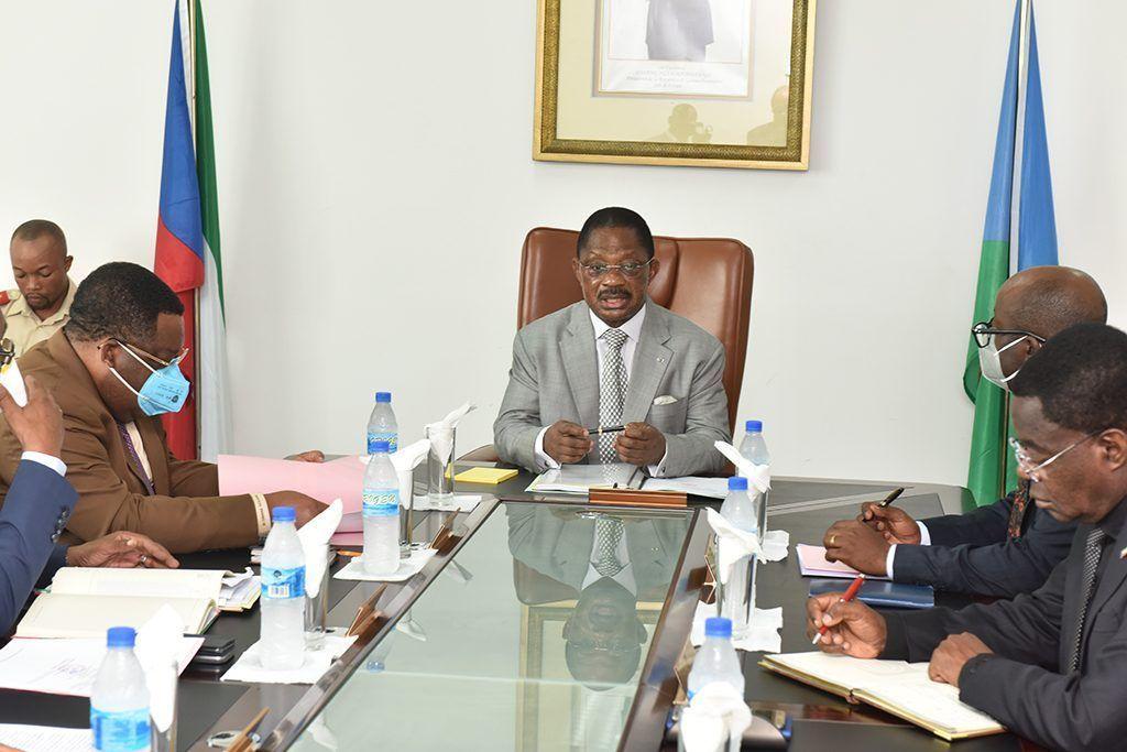 Encuentro del Primer Ministro con los responsables de los servicios de emisión de documentos
