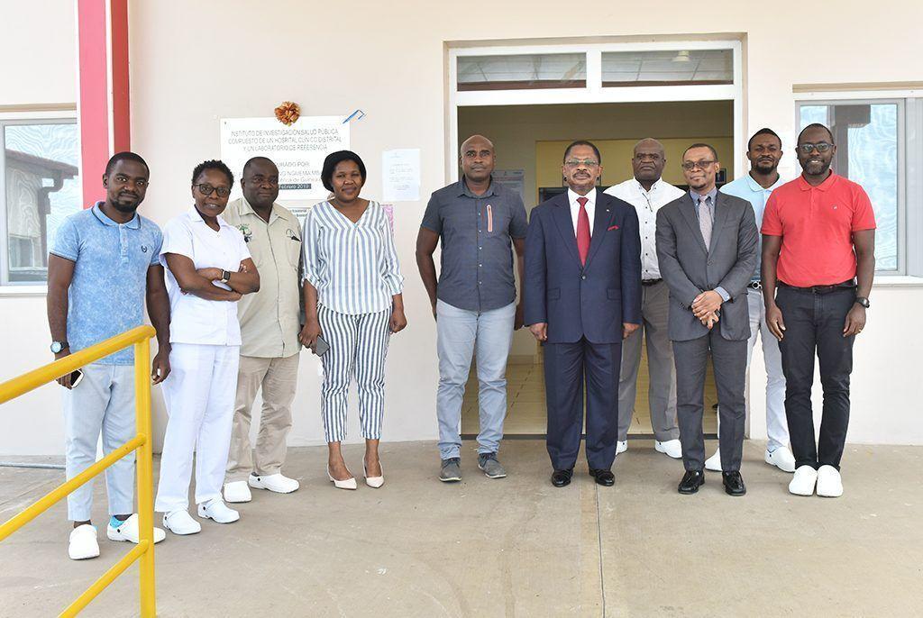 El Primer Ministro visita el Laboratorio de Baney, el Ministerio de Sanidad y el Hospital Sampaka