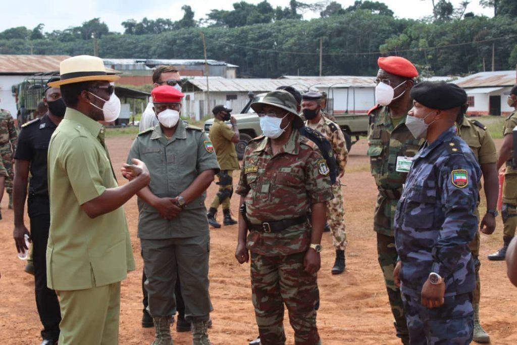 El Vicepresidente visita el Tercer Batallón de la Región Continental